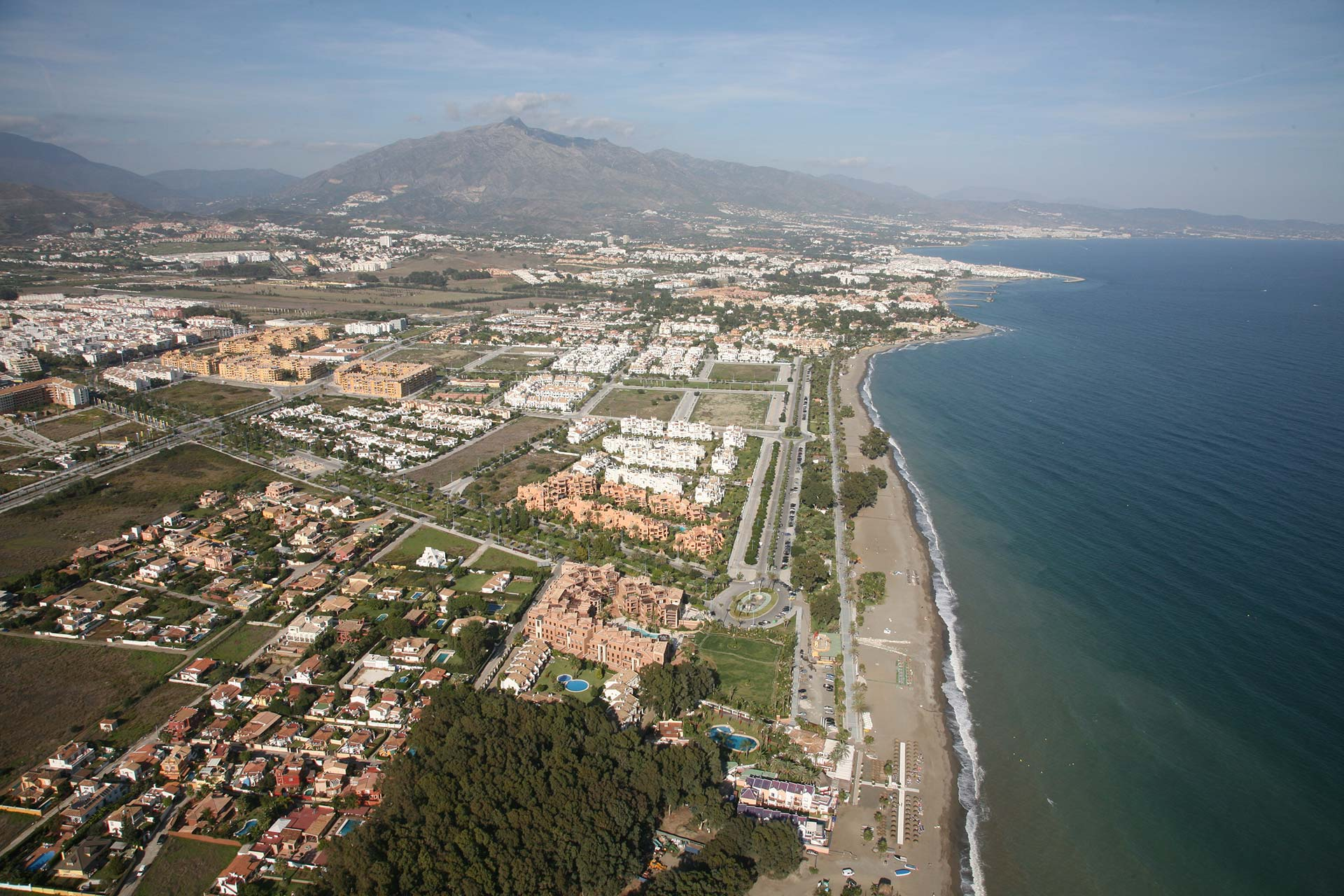 Beachside properties in Costa del Sol